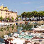 Lo splendido porticciolo di Desenzano sarà la base logistica del Colnago Cycling Festival (ph Play Full Nikon)
