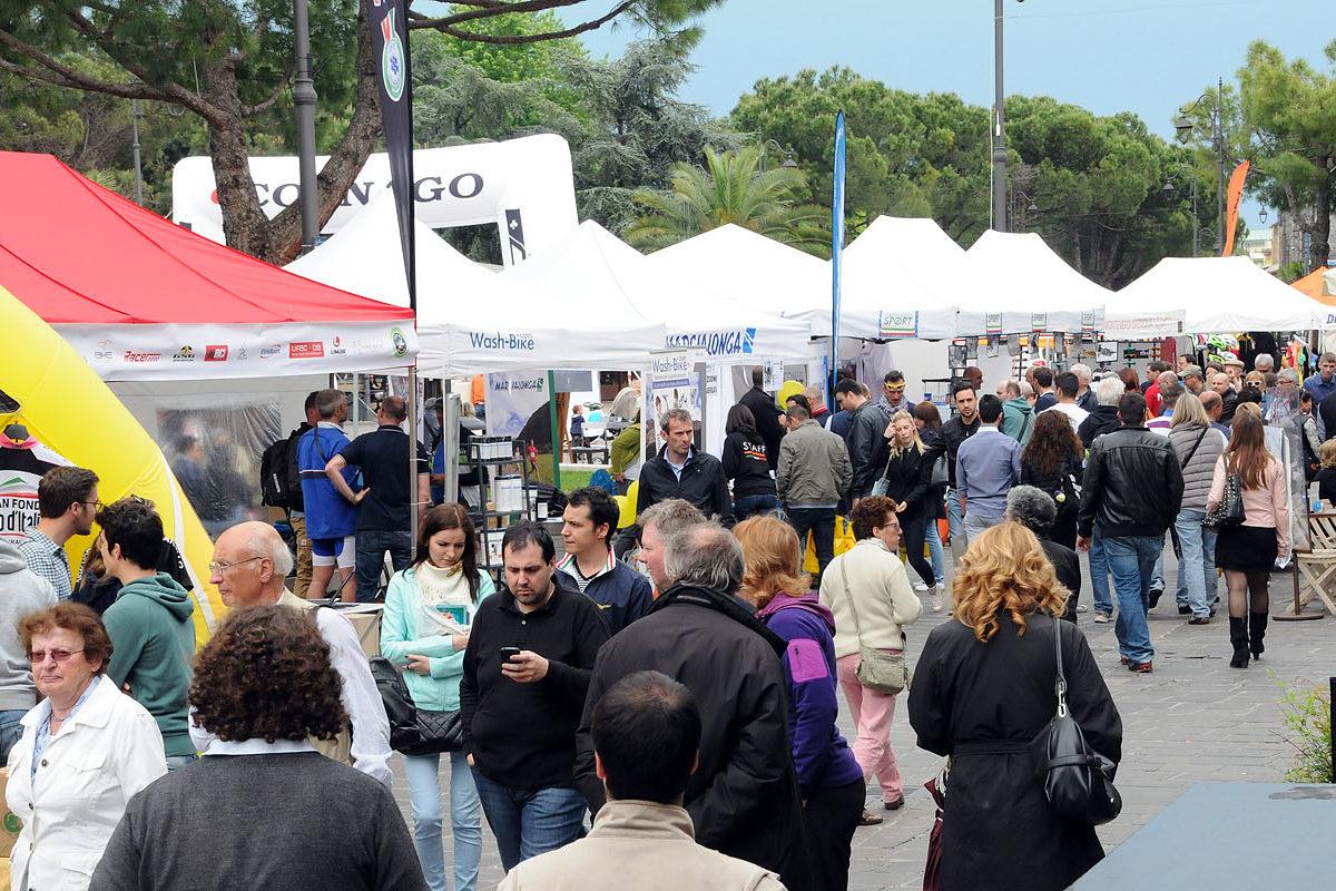 Rapha ha scelto l'Expo del Colnago Cycling Festival