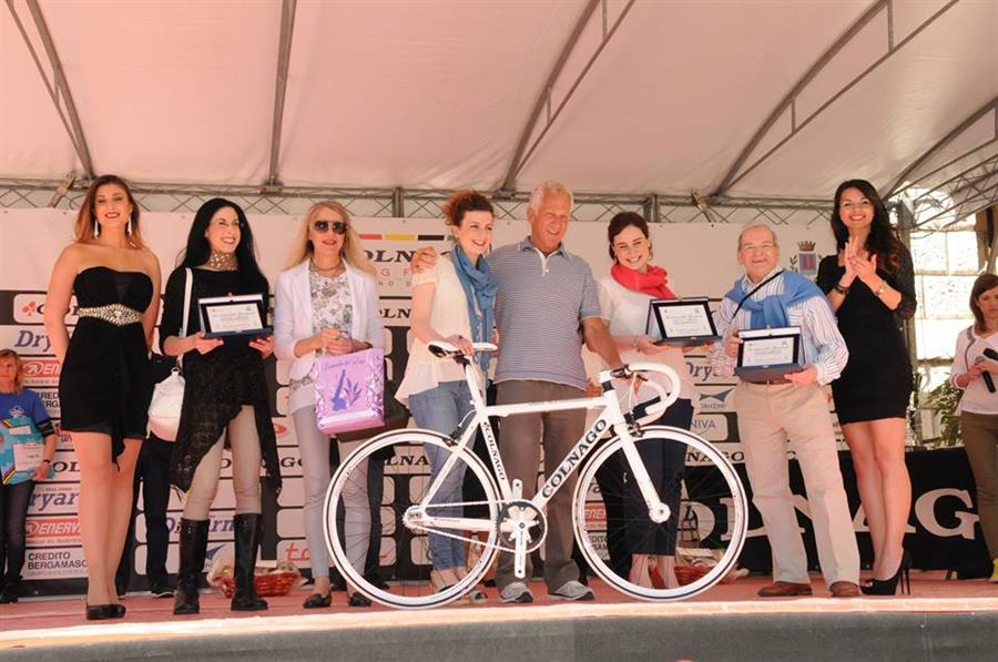 Premio speciale per la Miglior Vetrina: una bicicletta Colnago